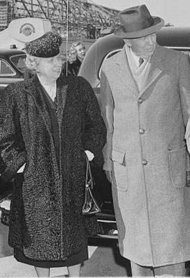 Bess Truman with General George Marshall, then serving as her husband's Secretary of State, March 1948. (National Archives)