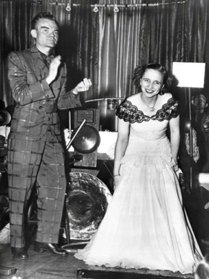 Margaret Truman performing as a professional singer. (pinterest)